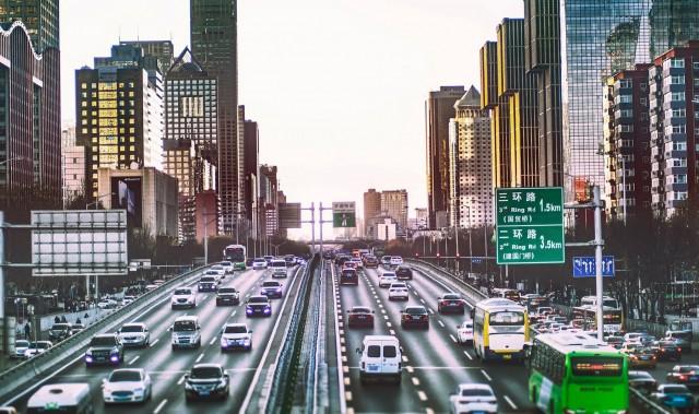 Κίνα: Στόχος για περισσότερα ηλεκτρικά και αυτόνομα οχήματα