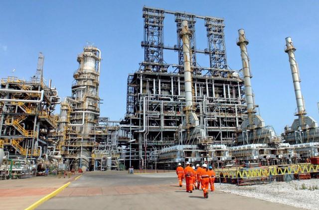 OPEC+: Απόφαση για περαιτέρω περικοπές στην παραγωγή πετρελαίου