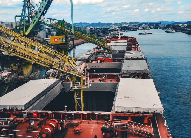 «Αντίο, ναυτιλία» για την ArcelorMittal