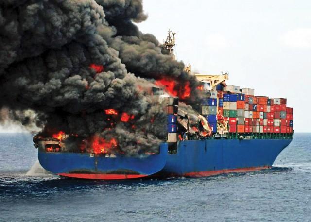 Πυρκαγιές σε containerships: Αναγκαία η άμεση δράση
