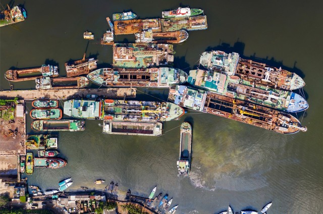 Οι επισφαλείς συνθήκες εργασίας στα διαλυτήρια πλοίων
