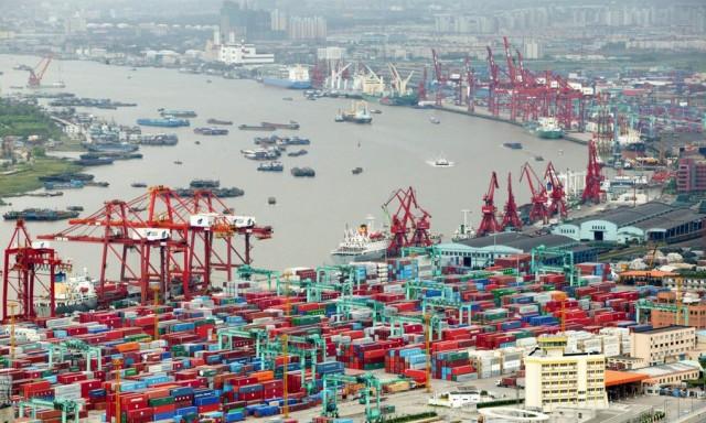 Λιμάνι Σαγκάης: Στην κορυφή της παγκόσμιας διακίνησης εμπορευματοκιβωτίων