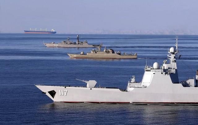 «Συνωστισμός»ναυτικών δυνάμεων στα Στενά του Ορμούζ
