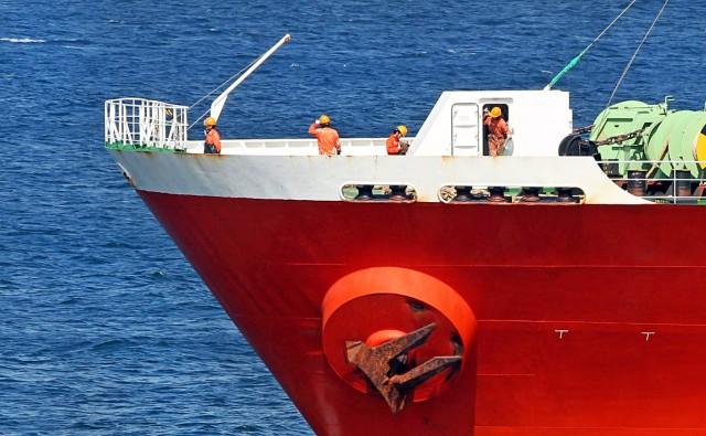 Kρούσματα κορωνοϊού σε ναυτικούς ( ; )