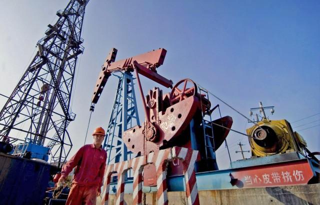 Τριγμοί στις τιμές του πετρελαίου ελέω κινεζικού ιού