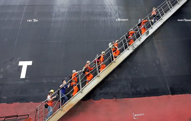 Σιγκαπούρη: Οι εργαζόμενοι στη ναυτιλία, προτεραιότητα στον εμβολιασμό
