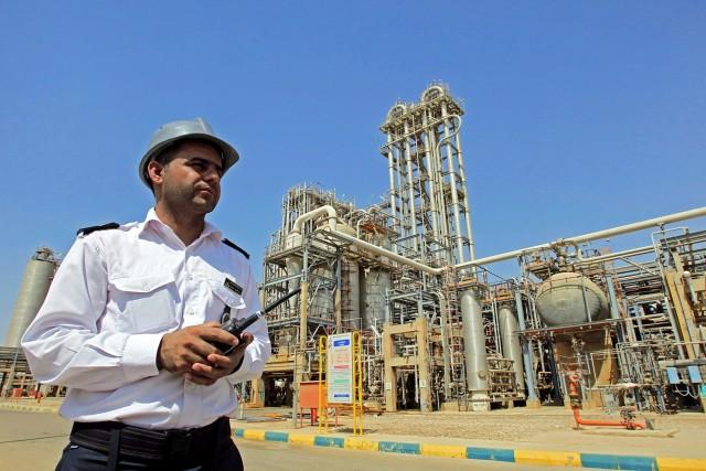 Πετρέλαιο: Περαιτέρω περικοπές υποστηρίζει η Τεχεράνη