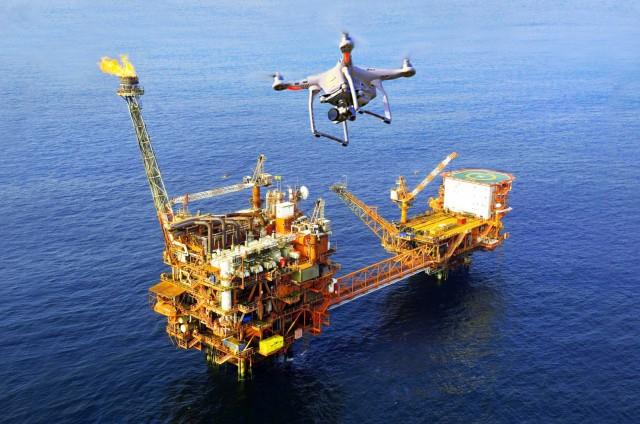 Ρομπότ και drones θα επιθεωρούν παράκτιες εγκαταστάσεις πετρελαίου