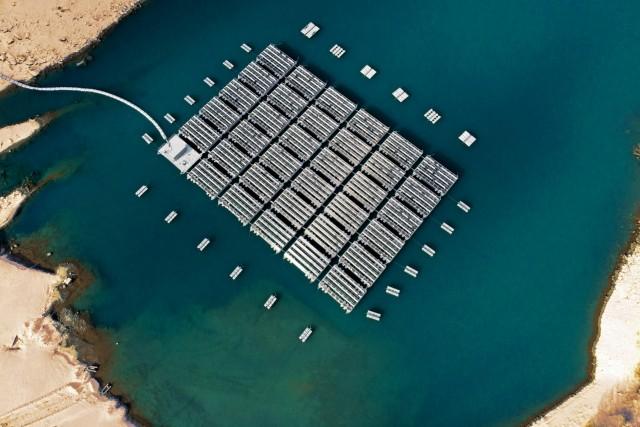 ΗΑΕ: Στροφή στην ηλιακή ενέργεια