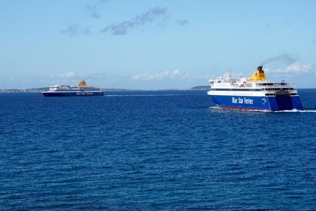 Απέπλευσε το Blue Star Myconos – Αρνητικό το δείγμα του ναυτικού που είχε πυρετό