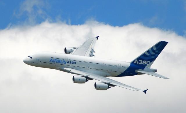 Προσγειώνονται τα Airbus A380