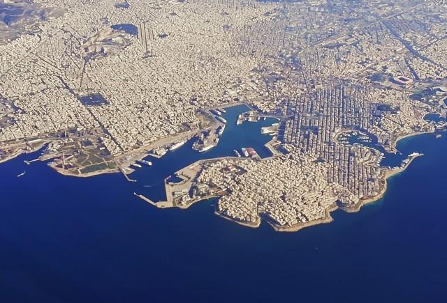 Αυξημένη η διακίνηση επιβατών και εμπορευμάτων στους ελληνικούς λιμένες
