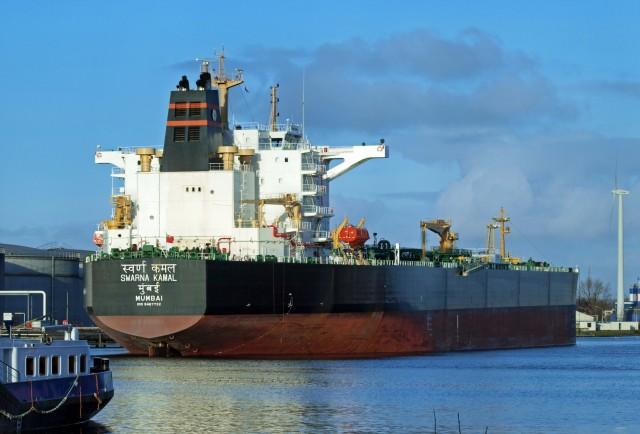 Ινδία: Το φθηνό πετρέλαιο, ευκαιρία αύξησης των αποθεμάτων
