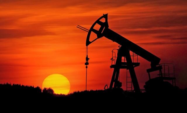Αναθεώρηση προς τα κάτω της διεθνούς ζήτησης πετρελαίου