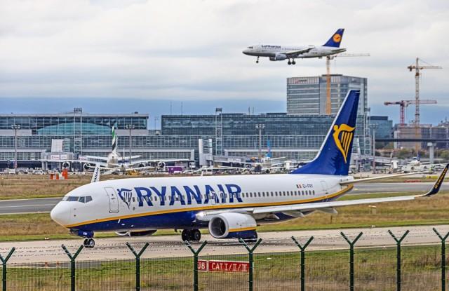 Λιγοστεύουν τα αεροσκάφη στον αέρα