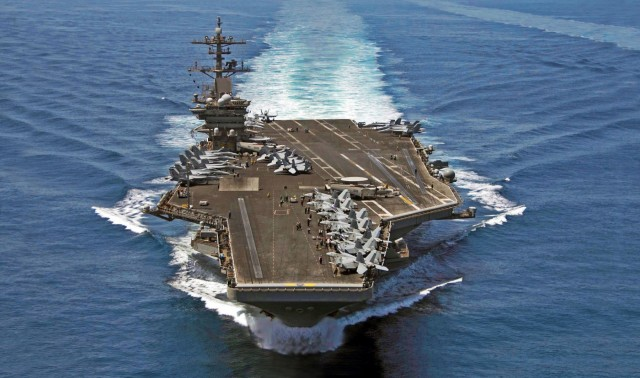 USS Theodore Roosevelt: Απορρίφθηκε η αίτηση του πλοιάρχου για εκκένωση του αεροπλανοφόρου