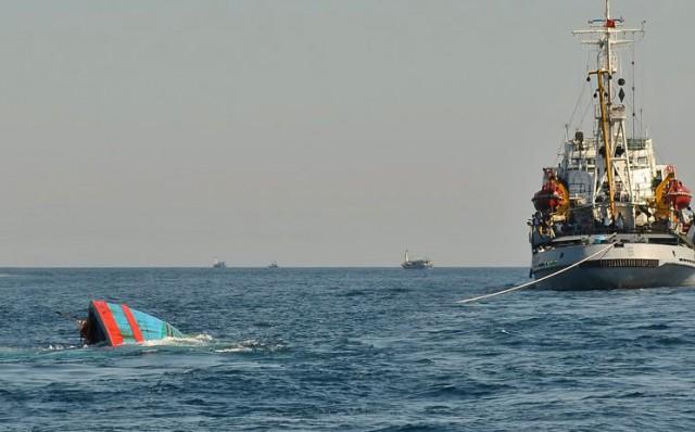 Πολιτικές εντάσεις στην Νότια Σινική Θάλασσα εξαιτίας ναυαγίου αλιευτικού σκάφους