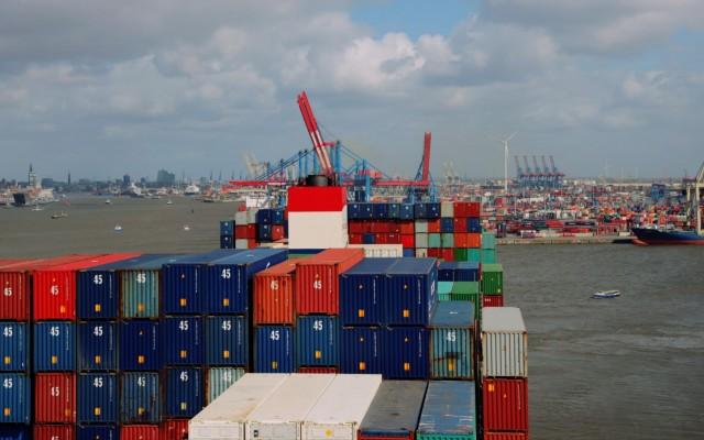 Μεγάλες καθυστερήσεις των εκφορτώσεων στα λιμάνια