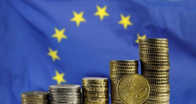 ΕΕ: Πτώση – ρεκόρ για το ΑΕΠ