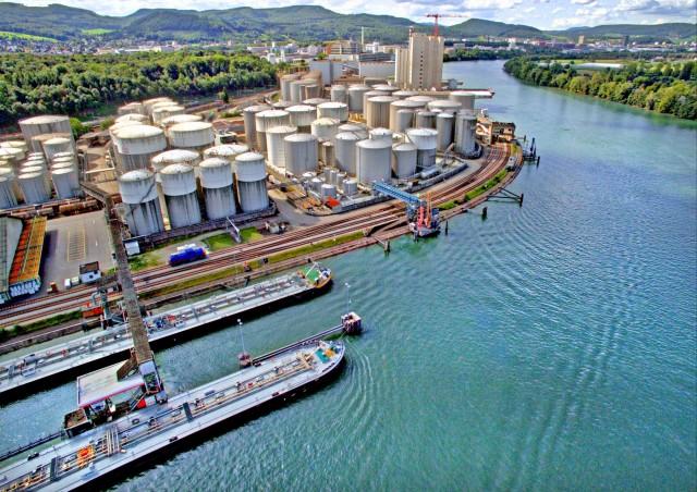 Χαμηλότερο το κόστος ναυτιλιακών καυσίμων στα κινεζικά λιμάνια