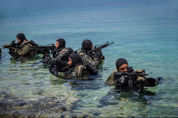 Πολεμικό Ναυτικό: Εντυπωσιακές φωτογραφίες από επιχειρήσεις υποβρύχιων καταστροφών