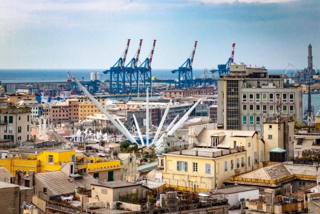 Λιμάνι Γένοβας: Οι συνδυασμένες μεταφορές στο μικροσκόπιο
