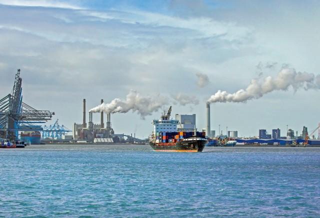 Ναυτιλία και εκπομπές άνθρακα: Τα ευρήματα της Ευρωπαϊκής Επιτροπής