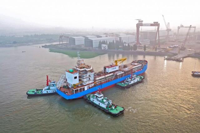 Το πρώτο LNG bunkering πλοίο της Σιγκαπούρης στο νερό