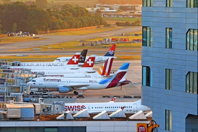 Οι αεροπορικές εταιρείες εκπέμπουν SOS για την επιβίωσή τους