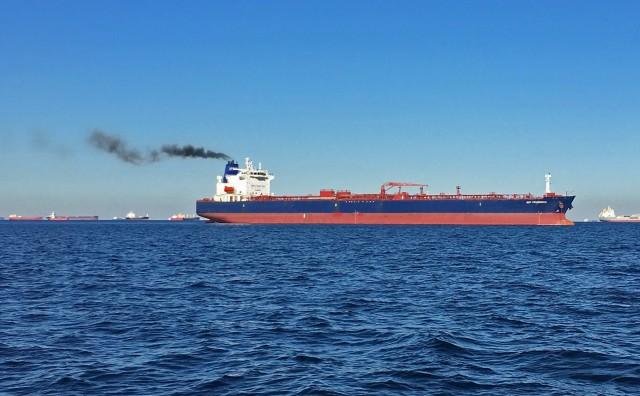 Μείωση των εκπομπών άνθρακα: Ενεργειακοί κολοσσοί στο πλευρό της ναυτιλίας