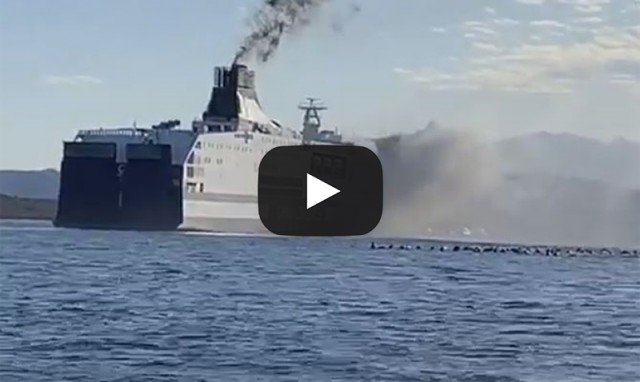 Grimaldi Lines: Φωτιά ξέσπασε σε ferryboat (βίντεο)