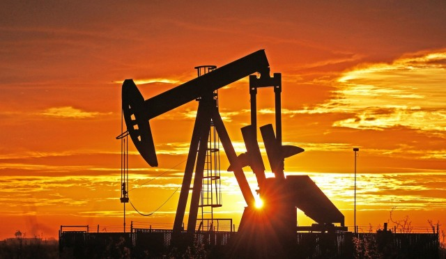 Πετρέλαιο: «Κόκκινη κάρτα» Ριάντ σε Νιγηρία και Ανγκόλα