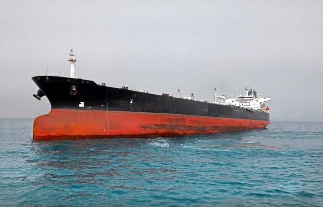 Πλοίο-«οικολογική βόμβα» στην Eρυθρά Θάλασσα
