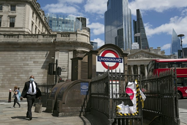 Bρετανία: Σε επίπεδα ρεκόρ το δημόσιο χρέος