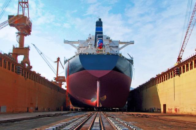 «Χαμηλές πτήσεις» για τα κινεζικά ναυπηγεία