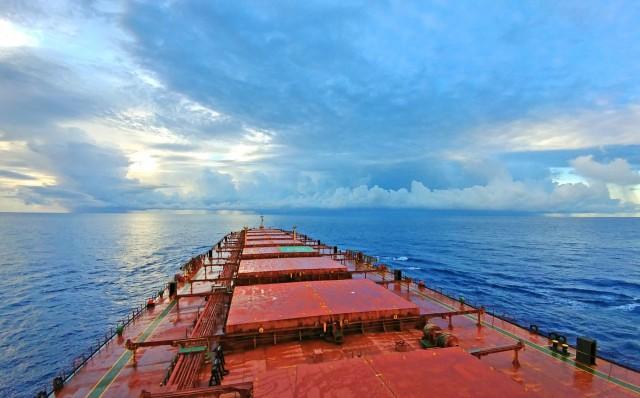Τι οδηγεί τη ναυλαγορά των bulk carriers