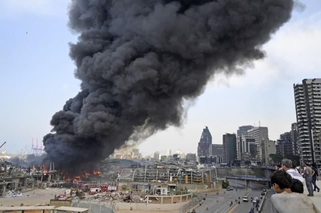 Nέα μεγάλη φωτιά στο λιμάνι της Βηρυτού