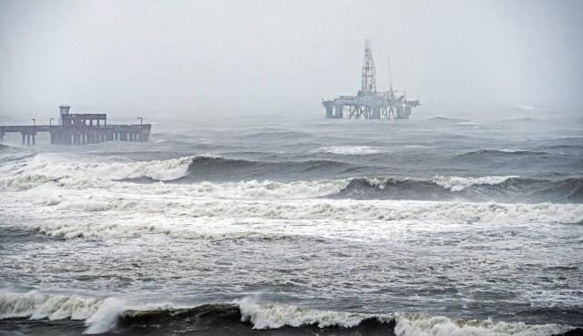 Πετρέλαιο και φυσικό αέριο στη δίνη του τυφώνα Sally