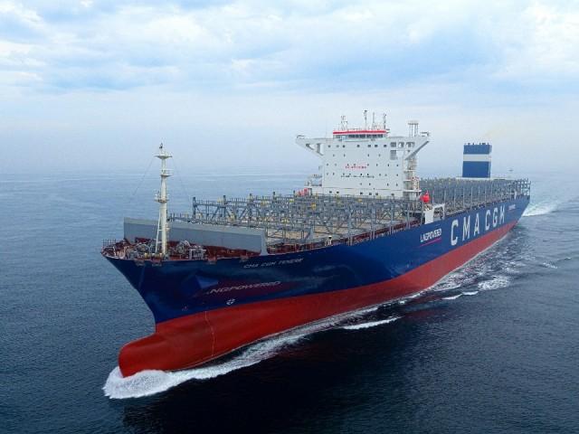 Το πρώτο mega-containership καύσης LNG