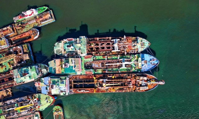 Διαλύσεις πλοίων: H Νότια Αφρική εισέρχεται δυναμικά στο παιχνίδι