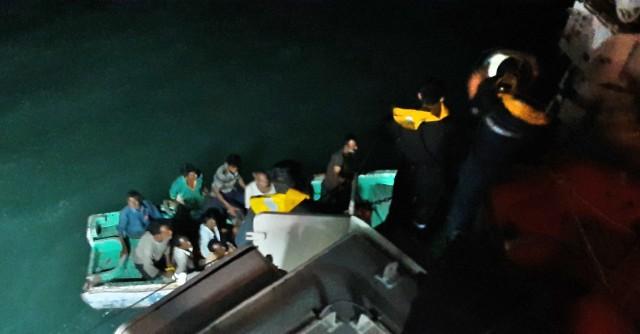 Ναυάγιο πλοίου στις ακτές της Ινδίας