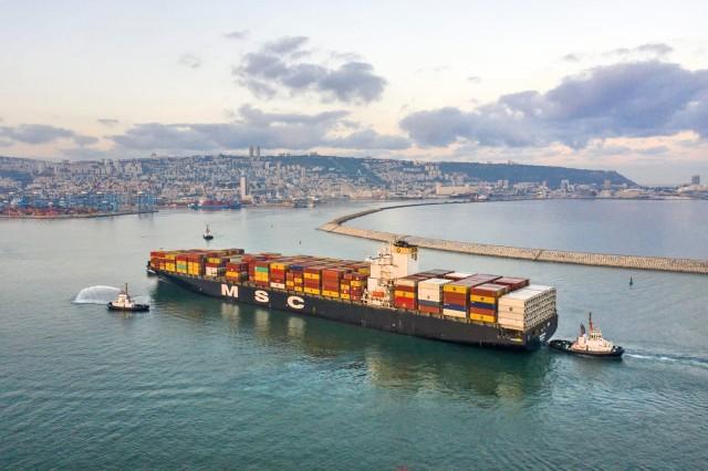 Eξέλιξη-ορόσημο: Το πρώτο πλοίο από ΗΑΕ που πιάνει λιμάνι στη Χάιφα