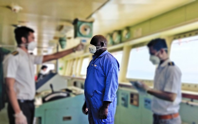 Η Αυστραλία ανήσυχη για τα πολλαπλά κρούσματα ναυτικών με κορονοϊό