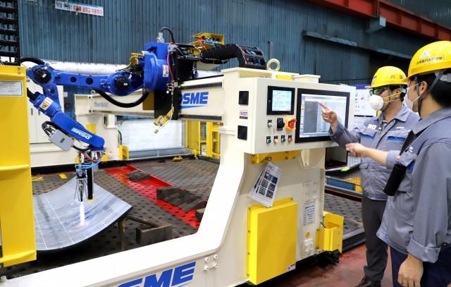 Νότια Κορέα: Ρομπότ δίνουν λύσεις σε ναυπηγεία