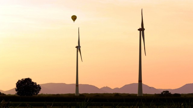 ΥΠΕΝ: Τα μέτρα για τις ανανεώσιμες πηγές ενέργειας