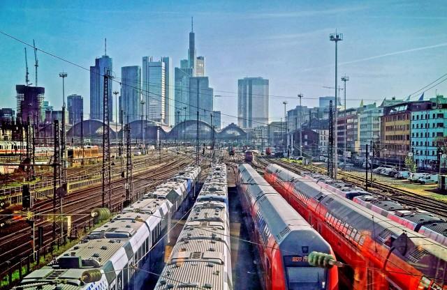Η «πράσινη» ενέργεια στο επίκεντρο των σιδηροδρομικών μεταφορών
