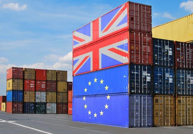 ΕΕ-Βρετανία: Οι ευρωβουλευτές εγκρίνουν την εμπορική συμφωνία με τη Βρετανία