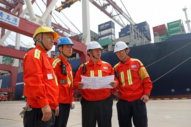 Οι ΗΠΑ πυροδοτούν τις τεράστιες εξαγωγές της Κίνας