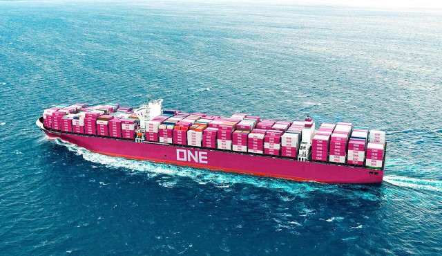 Mega-containerships: Η τάση στη liner ναυτιλία