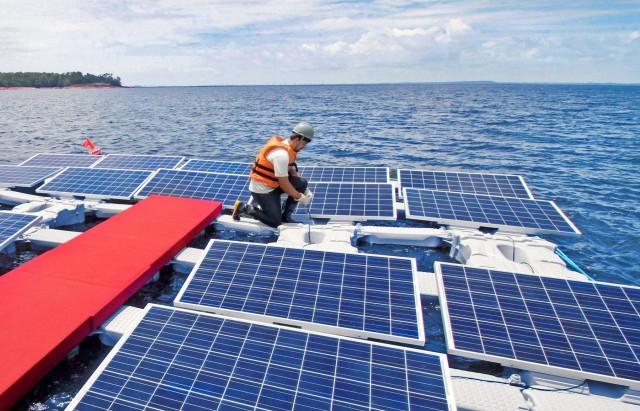 Τέρνα Ενεργειακή: Επενδύσεις σε πλωτά φωτοβολταϊκά πάρκα